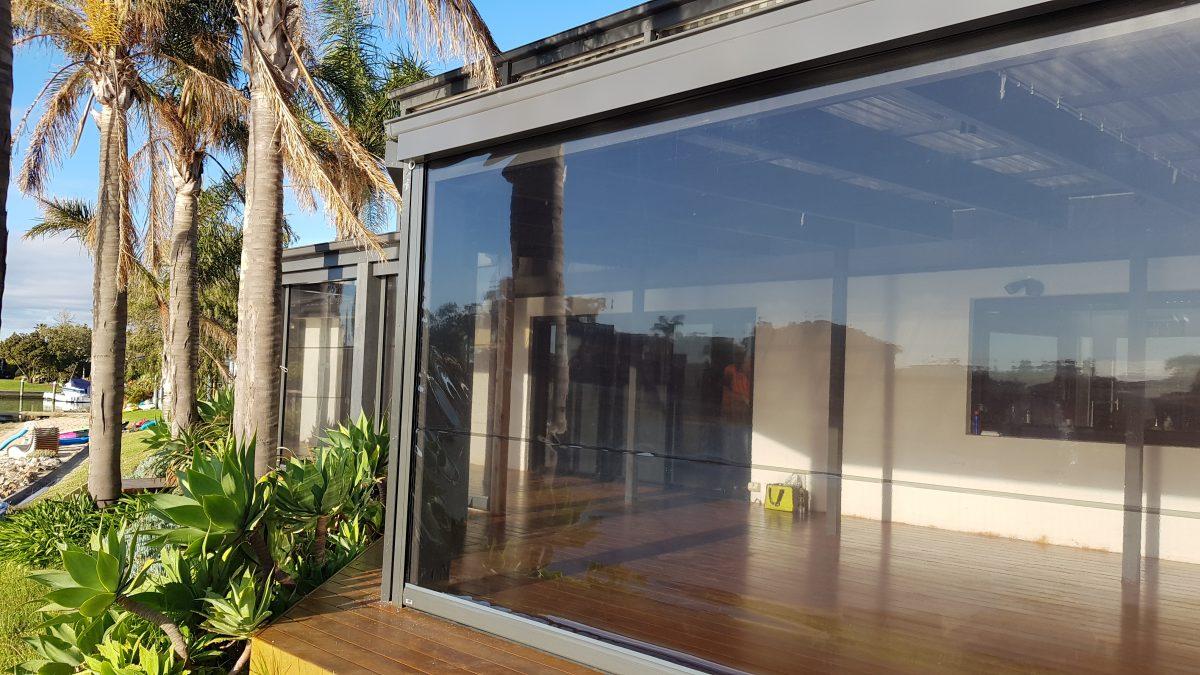 outdoor cafe blinds